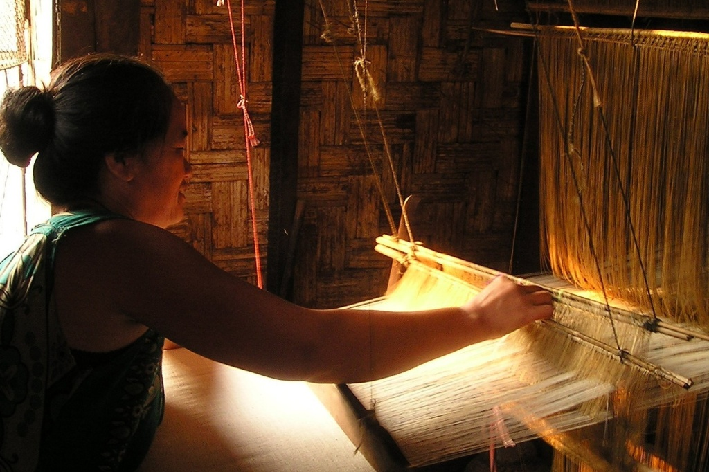 Weaving Threads 1500