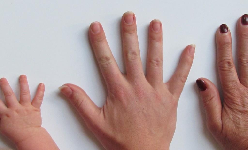 hands 1500x900