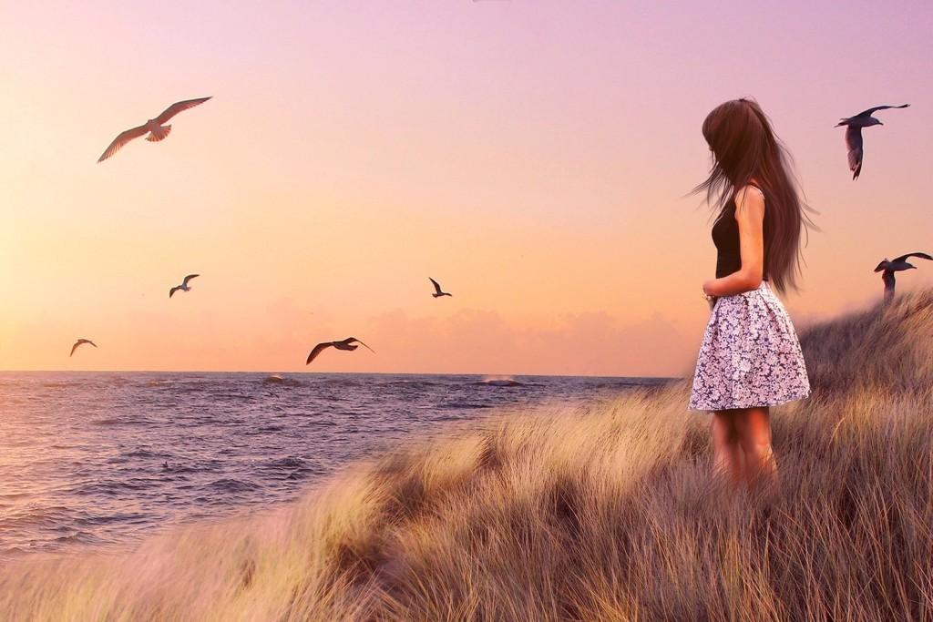 woman seagull 1500x1000