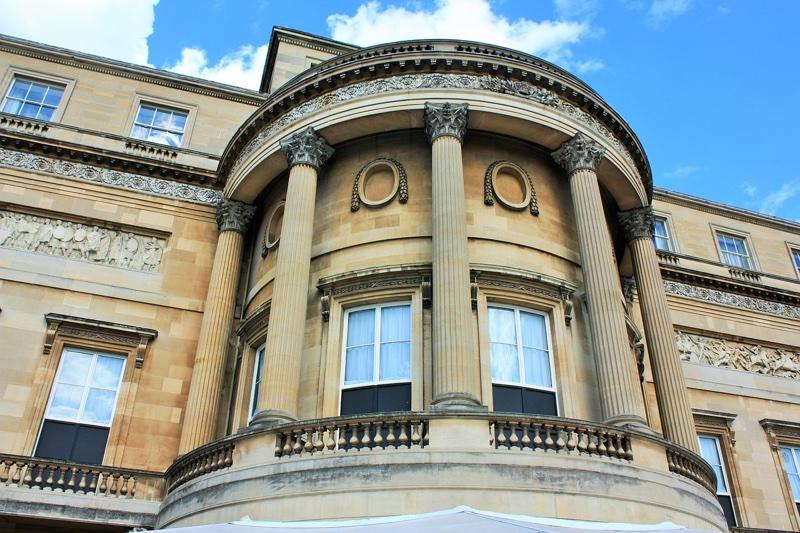 Buckingham Palace dan Perhotelan