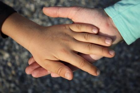 hands2_450