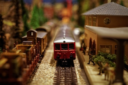 model-train-450